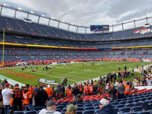 Empower Field at Mile High Stadium, secção: 128, fila: 15, lugar: 26