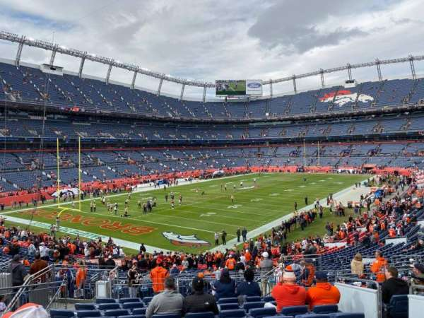 Empower Field at Mile High Stadium, secção: 129, fila: 35, lugar: 5