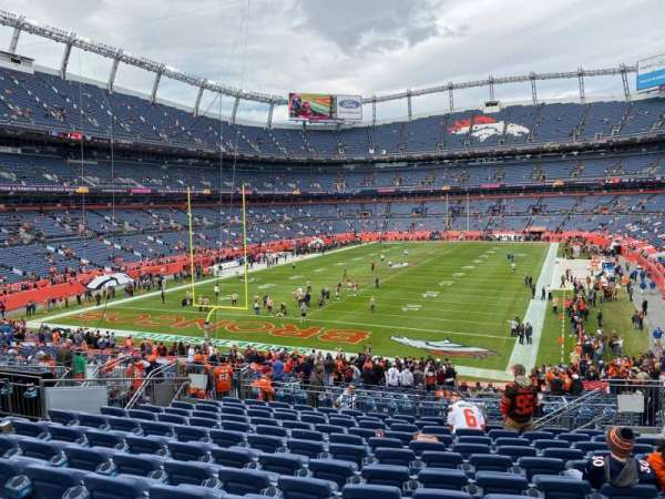 Empower Field at Mile High Stadium, secção: 130, fila: 37, lugar: 7