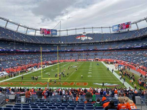 Empower Field at Mile High Stadium, secção: 131, fila: 34, lugar: 10