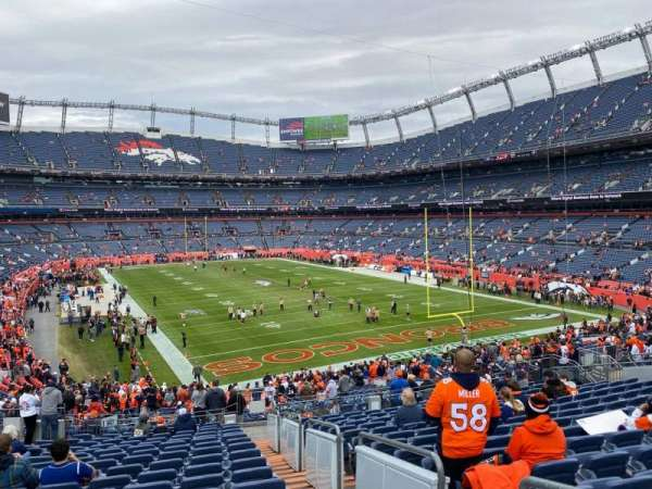Empower Field at Mile High Stadium, secção: 135, fila: 41, lugar: 2