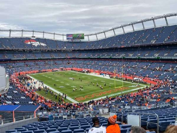 Empower Field at Mile High Stadium, secção: 236, fila: 19, lugar: 5