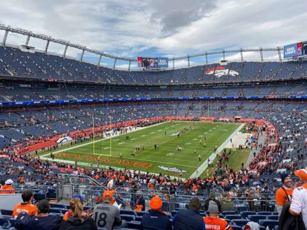 Empower Field at Mile High Stadium, secção: 229, fila: 14, lugar: 16