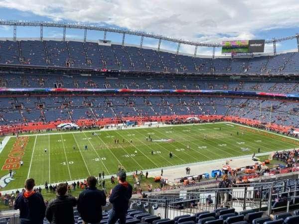 Empower Field at Mile High Stadium, secção: 341, fila: 15, lugar: 10