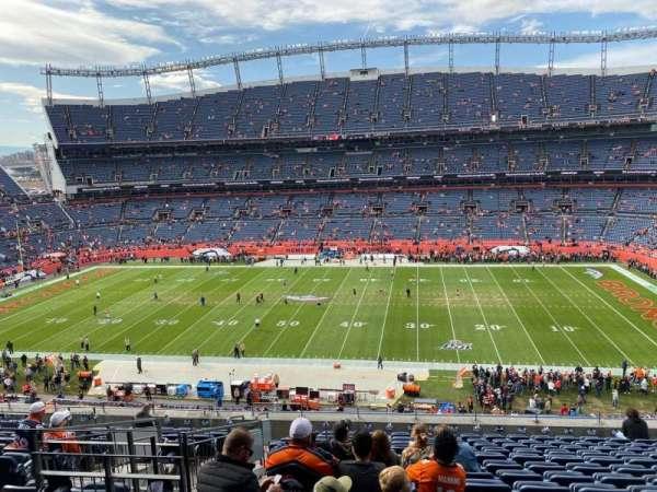 Empower Field at Mile High Stadium, secção: 335, fila: 14, lugar: 12