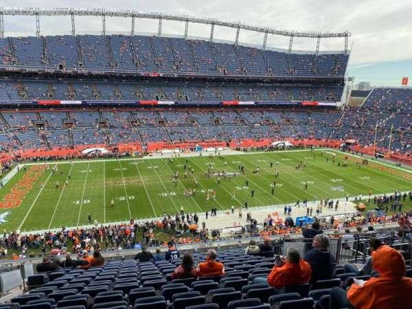 Empower Field at Mile High Stadium, secção: 312, fila: 16, lugar: 10