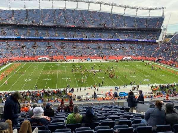 Empower Field at Mile High Stadium, secção: 311, fila: 14, lugar: 9