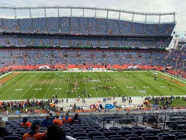Empower Field at Mile High Stadium, secção: 310, fila: 16, lugar: 8