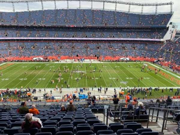 Empower Field at Mile High Stadium, secção: 309, fila: 16, lugar: 4