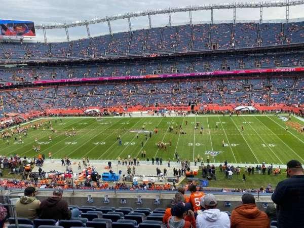 Empower Field at Mile High Stadium, secção: 307, fila: 8, lugar: 7