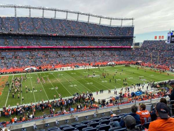 Empower Field at Mile High Stadium, secção: 313, fila: 8, lugar: 7