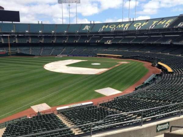 Oakland Coliseum, secção: 229, fila: 3