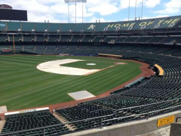 Oakland Coliseum, secção: 228, fila: 3