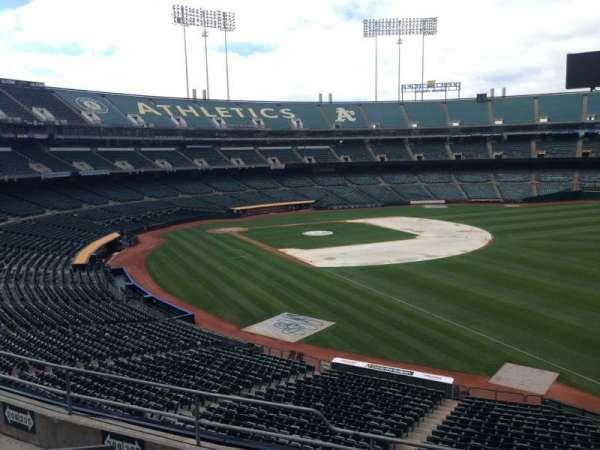 Oakland Coliseum, secção: 205, fila: 3