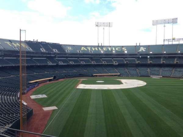Oakland Coliseum, secção: 201, fila: 3