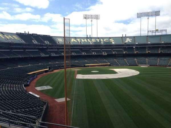Oakland Coliseum, secção: 202, fila: 3