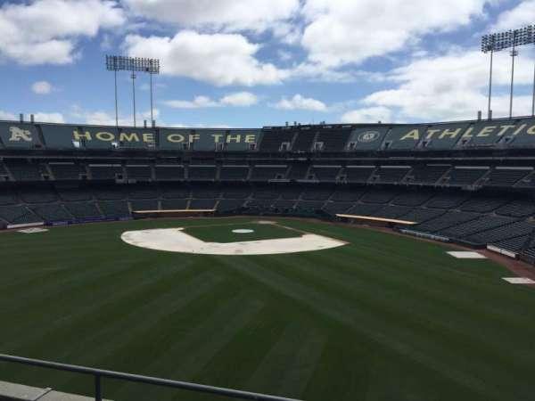 Oakland Coliseum, secção: 238, fila: 2