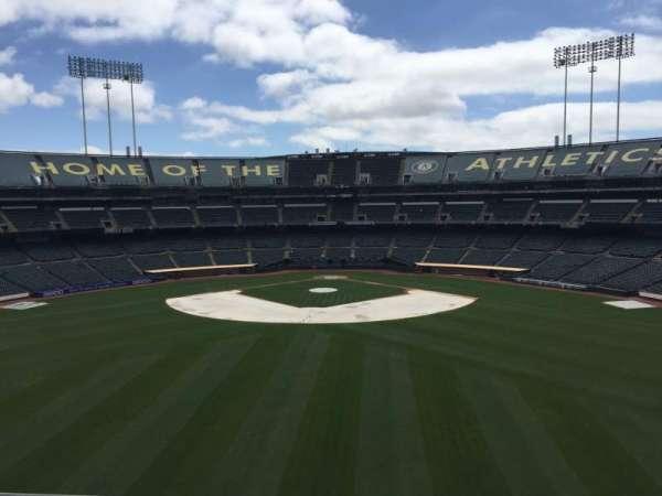 Oakland Coliseum, secção: 241, fila: 2