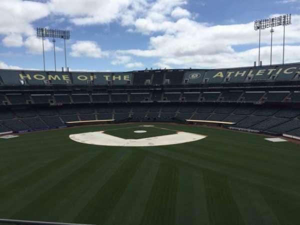 Oakland Coliseum, secção: 240, fila: 2