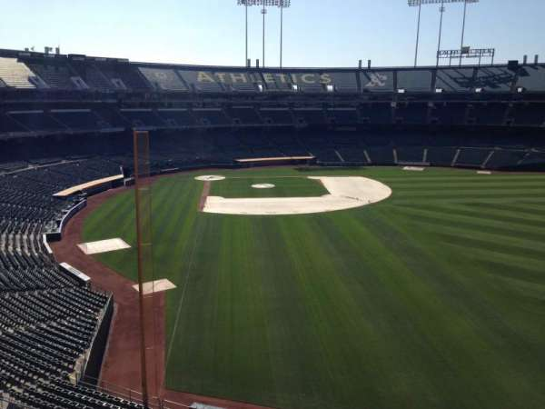 Oakland Coliseum, secção: Loge Suite 2