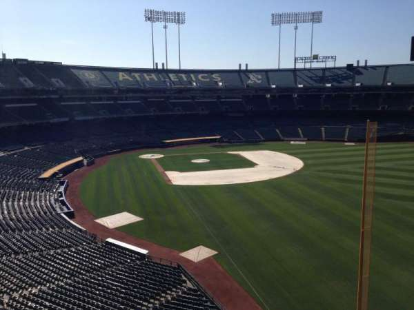 Oakland Coliseum, secção: Loge Suite 3