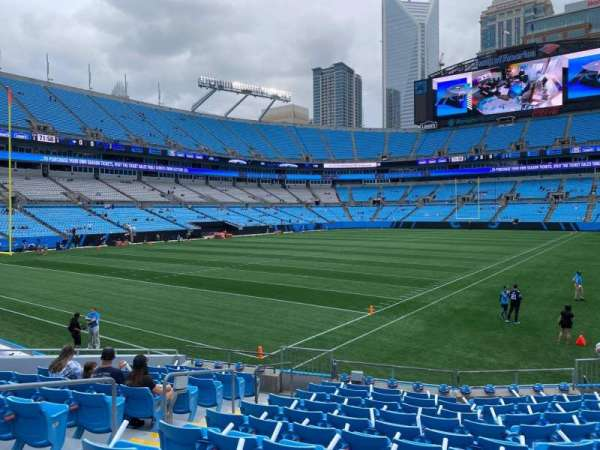 Bank of America Stadium, secção: 138, fila: 12, lugar: 10