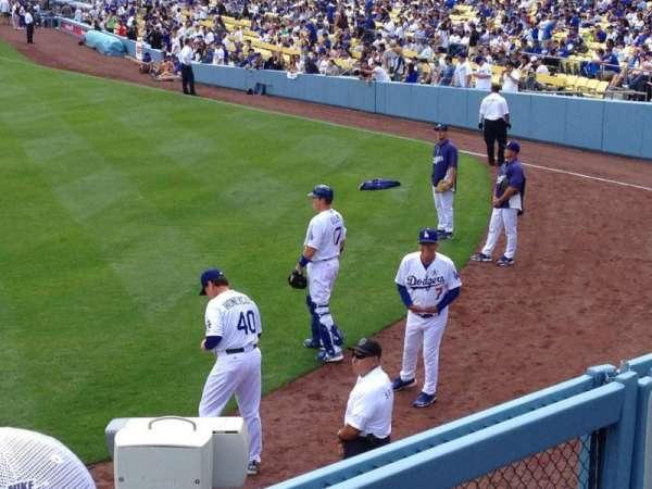 Dodger Stadium, secção: 301PL, fila: B, lugar: 6