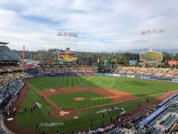 Dodger Stadium, secção: 4RS, fila: A, lugar: 9