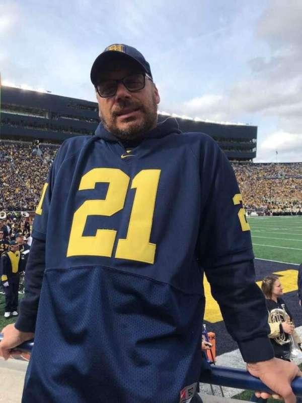Michigan Stadium, secção: 9, fila: A, lugar: 17