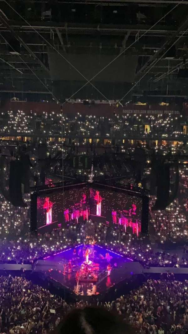 FLA Live Arena, secção: 301, fila: 6, lugar: 12