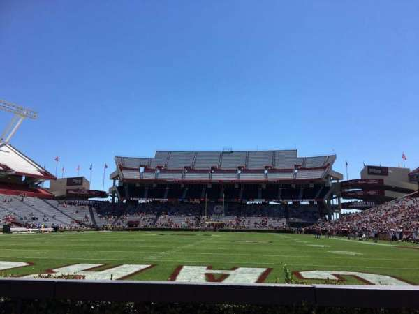 Williams-Brice Stadium, secção: 32, fila: 3, lugar: 6