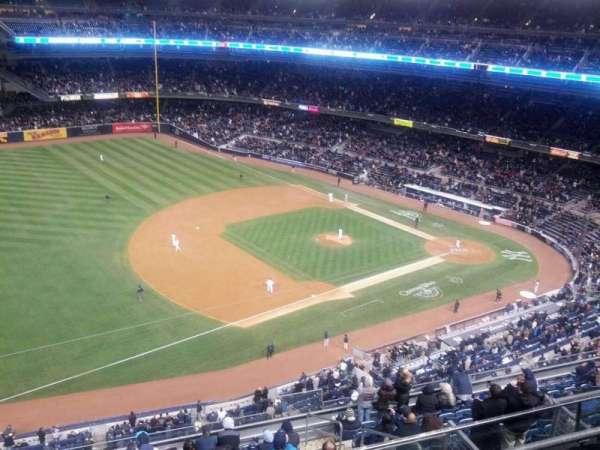 Yankee Stadium, secção: 428, fila: 4, lugar: 6