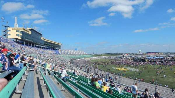 Kansas Speedway, secção: 137, fila: 23, lugar: 5