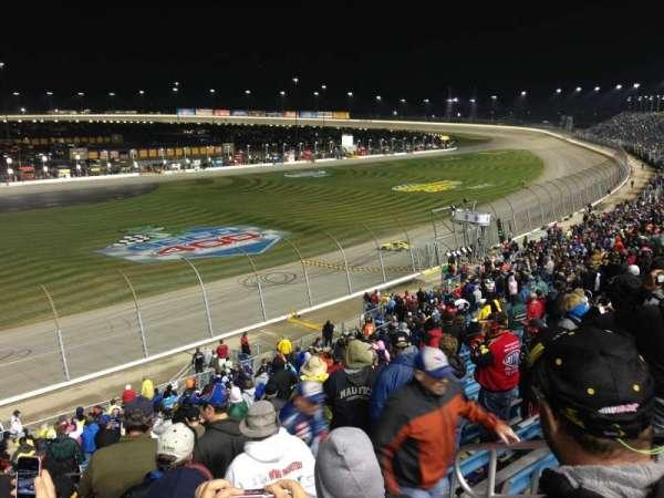 Chicagoland Speedway, secção: 404