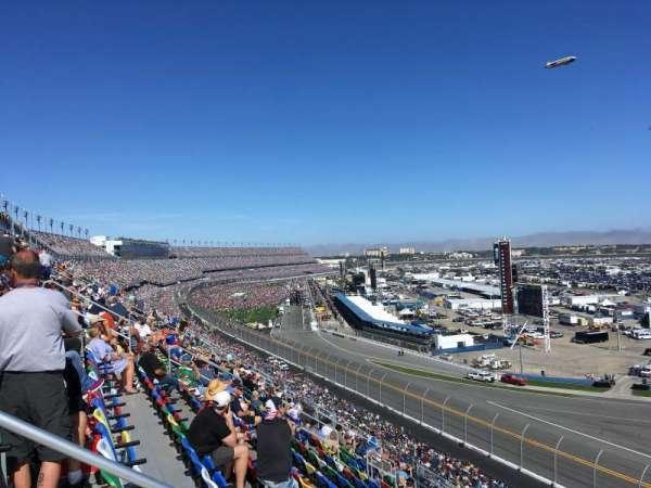 Daytona International Speedway, secção: 391, fila: 17, lugar: 15
