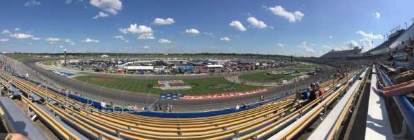 Kentucky Speedway, secção: 4L, fila: 27, lugar: 15