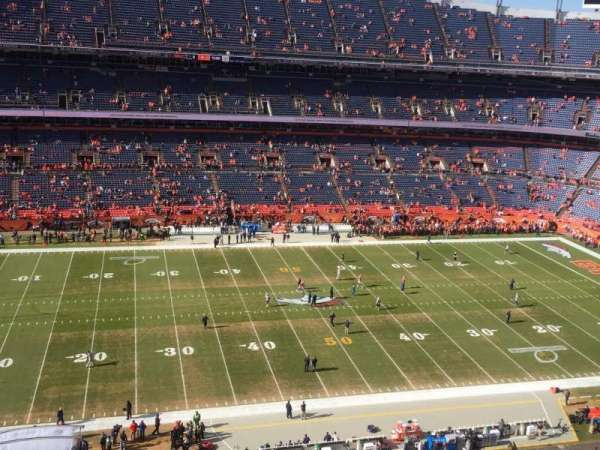 Empower Field at Mile High Stadium, secção: 536, fila: 6, lugar: 14