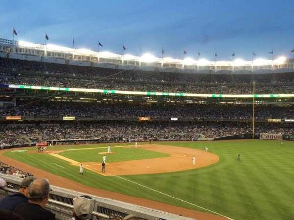Yankee Stadium, secção: 211, fila: 3, lugar: 2
