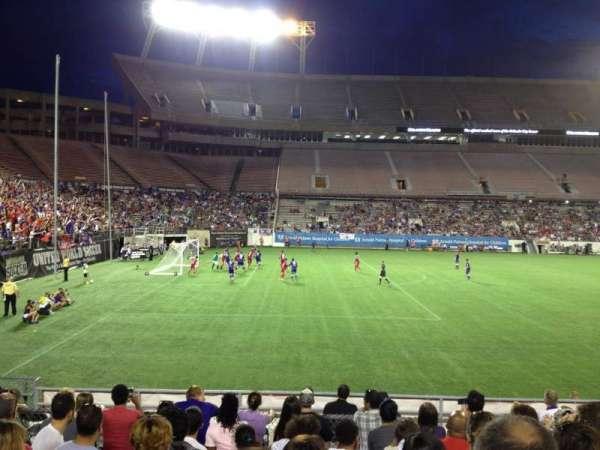 Camping World Stadium, secção: 113, fila: T, lugar: 8