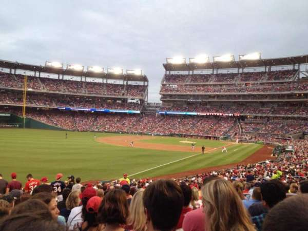 Nationals Park, secção: 108, fila: LL, lugar: 10