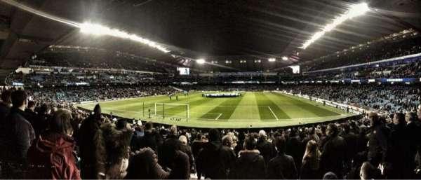 Etihad Stadium (Manchester), secção: 114, fila: Z, lugar: 377