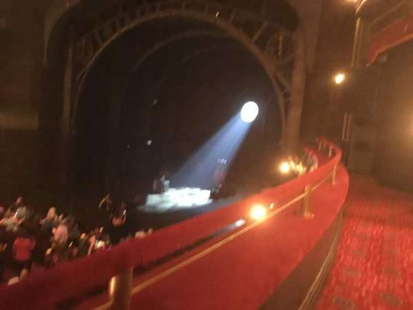 Lyric Theatre, secção: Dress Circle R, fila: A, lugar: 22
