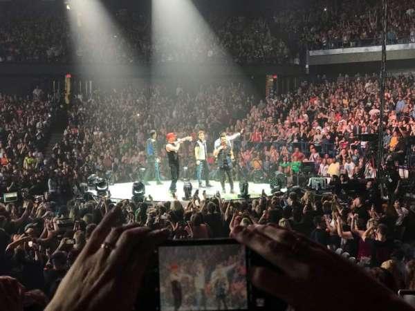 Allstate Arena, secção: 101, fila: D, lugar: 7