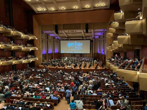 Benaroya Hall, secção: Right A, fila: A , lugar: 1