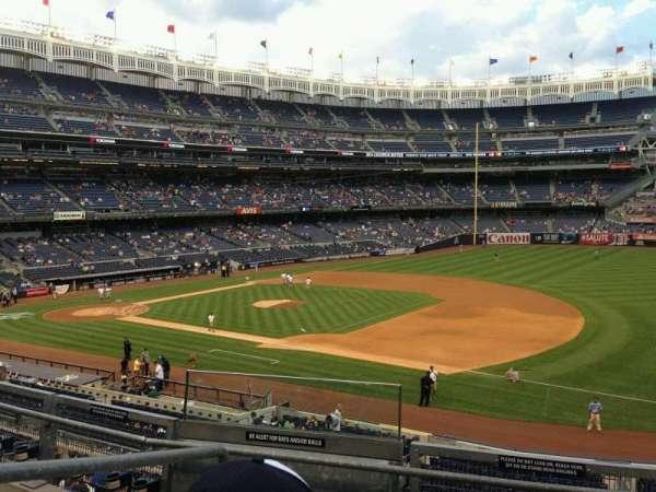 Yankee Stadium, secção: 213, fila: 4, lugar: 17