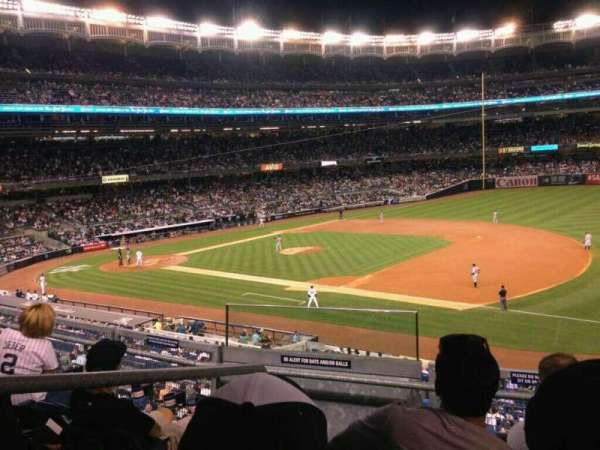 Yankee Stadium, secção: 213, fila: 4, lugar: 14