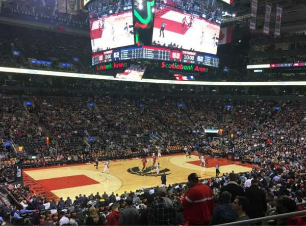 Scotiabank Arena, secção: 121, fila: 25, lugar: 6