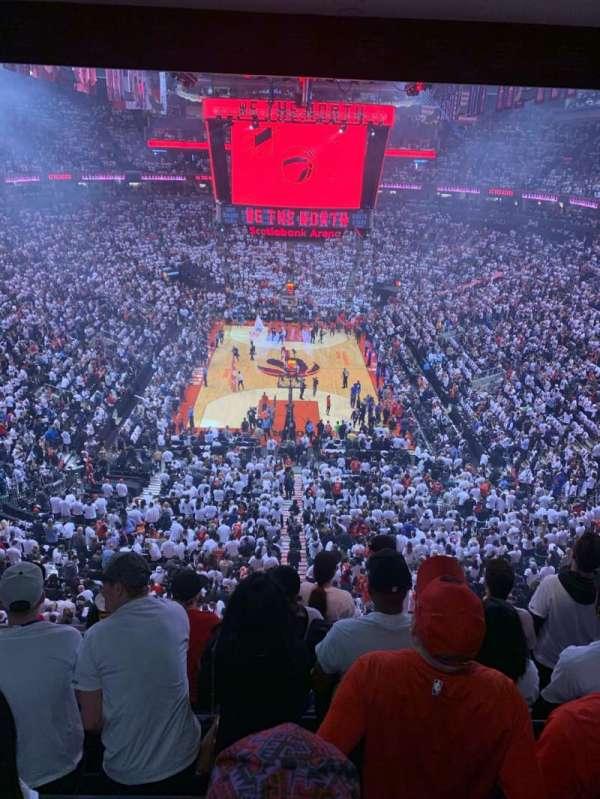 Scotiabank Arena, secção: 303, fila: 6, lugar: 9