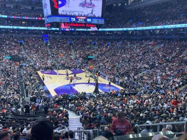 Scotiabank Arena, secção: 104, fila: 28, lugar: 1