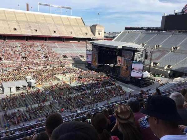 Ohio Stadium, secção: 17C, fila: 9, lugar: 18